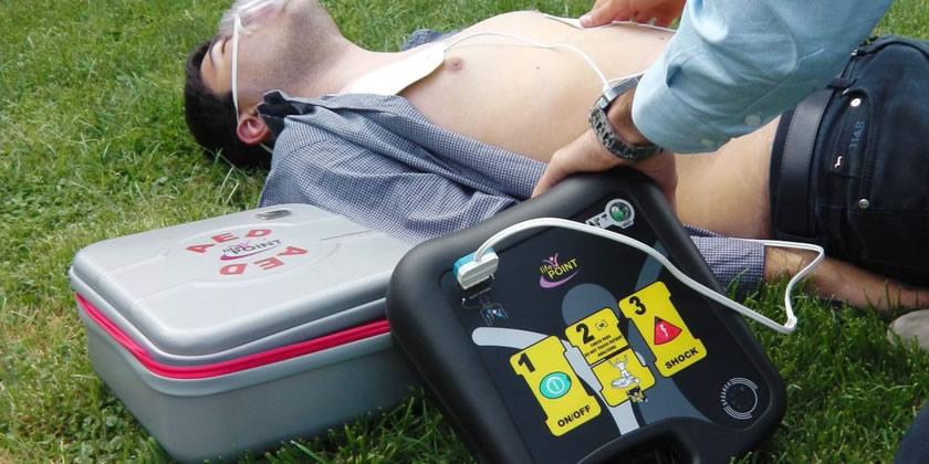 defibrillatori semiautomatico